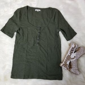 Madewell womens Olive scoop neck Tee Sz S